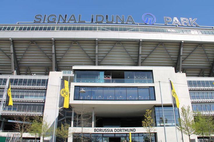 Fasada stadionu Borussi Dortmund