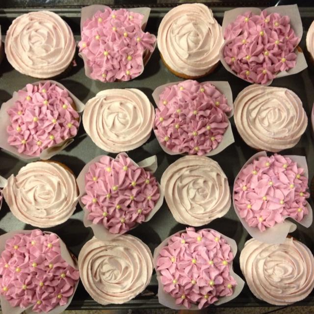 Wedding Cupcake Decorating Ideas: 107 Best Bridal Shower Cupcakes Images On Pinterest