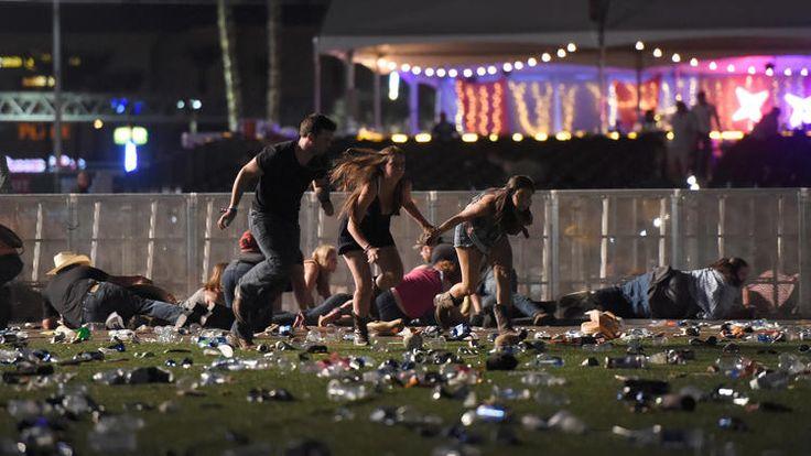 ABD, Las Vegas'taki konserde silahlı saldırı gerçekleştirildi. Yaralılar var. Saldırı ünlü Harvest 91 Country Musical Festival'de gerçekleşti. Reuters'ın hastane yetkililerine dayandırdığı son dakika haberine göre, saldırı neticesinde 2 kişi hayatını kaybetti, 24 kişi yaralandı.