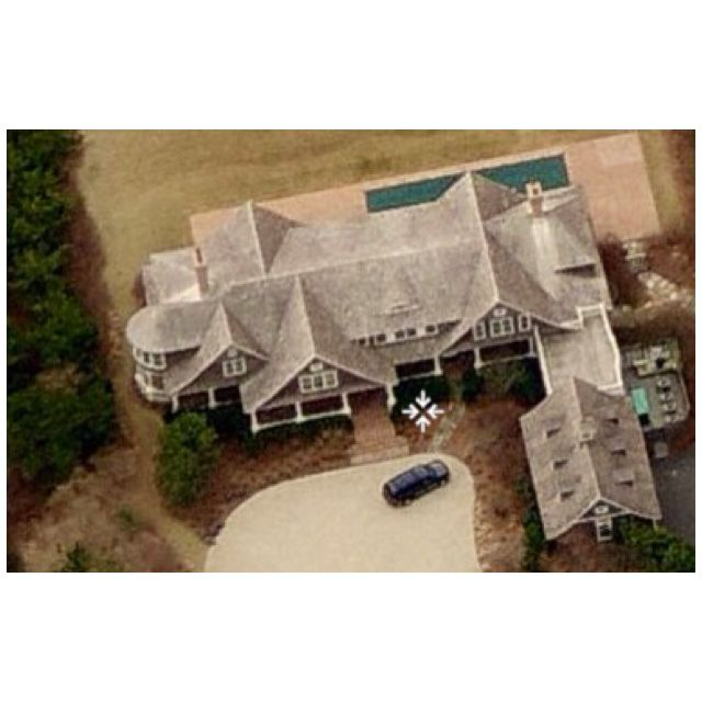 """Something's Gotta Give"" house. South Hampton NY. 7 bedrooms, 15 million dollars. For Sale."