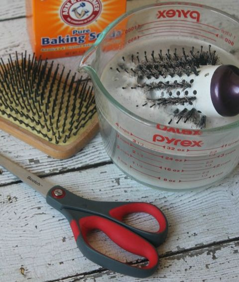 how to clean your hairbrush with baking soda