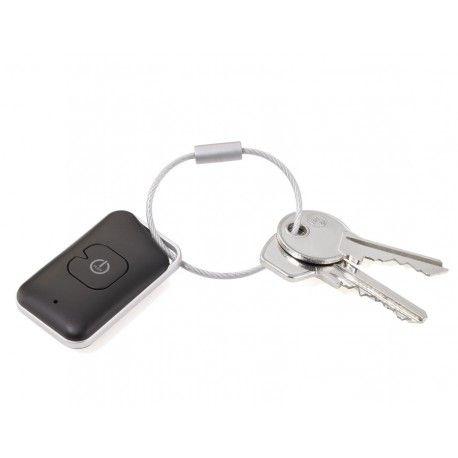BrelocBluetooth 4.0 controlat de aplicatie. Il puteti folosi pentru a va gasi cheile sau telefonul (pana la 35m),pentru a va putea face selfie sau a porni inregistrarea audio de la distanta (functie de telecomanda). Functie de marcare locatie. Compatibil iOS si Android. Ambalat in cutie cadou.Realizat din plastic de culoare negrucu gri si inel robust metalic.Design: TROIKA Design WerkstattDimensiuni: 30 * 50 mmGreutate: 15gr