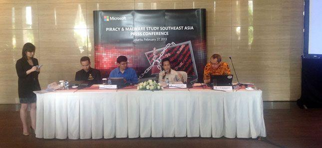 Studi Microsoft : 60% komputer Indonesia dengan perangkat lunak bajakan terinfeksi program jahat