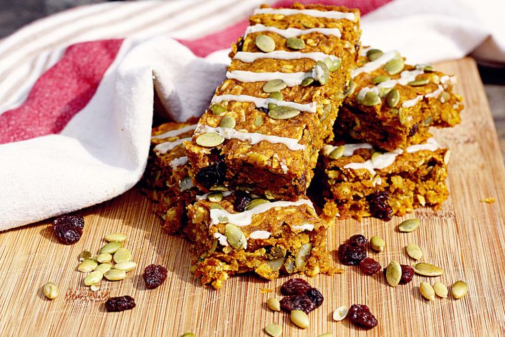 CA Raisin Country! {Pumpkin Oatmeal Raisin Bars with Ginger Icing}