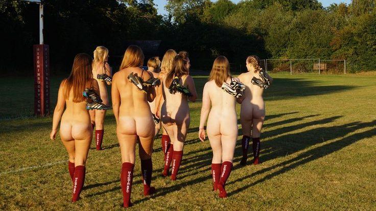 Jogadoras de time de rugby ficam nuas em calendário para arrecadar dinheiro