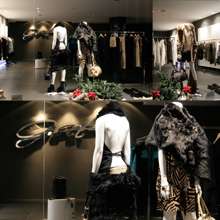 Inside the G.SEL Showroom!   Christmas Windows...Part. 2