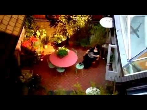 *POACHED-BRAISED CHICKEN -Nigella Kitchen   S01E01   You Know It Makes Sense