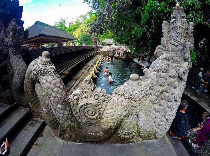 Facciamoci un bagno nelle acque sacre!!  #IgersBali #potrebali #360bali #baligasm #Balilife #balicili #explorebali #BDTeam #balidaily #balibucketlist #bali #BaliPedia #INDONESIA_PHOTOGRAPHY #INSTANUSANTARA #travellingthroughtheworld #TLAsia...