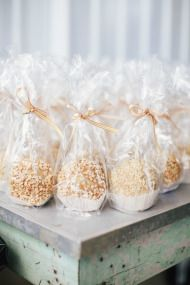 Candied apples! Fall Wedding at Sycamore Farm Bloomington - Todd Pellowe Photography