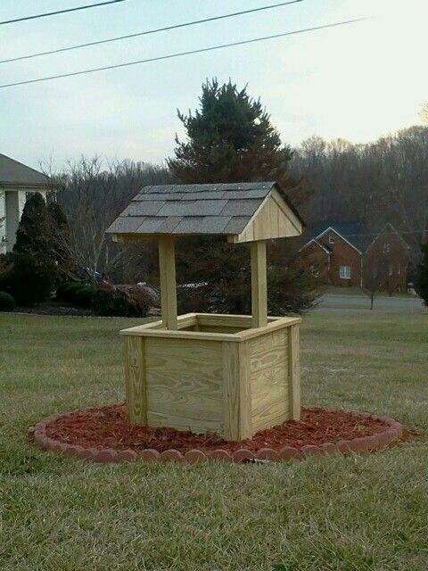 20 best images about wishing well on pinterest planters for Garden well designs