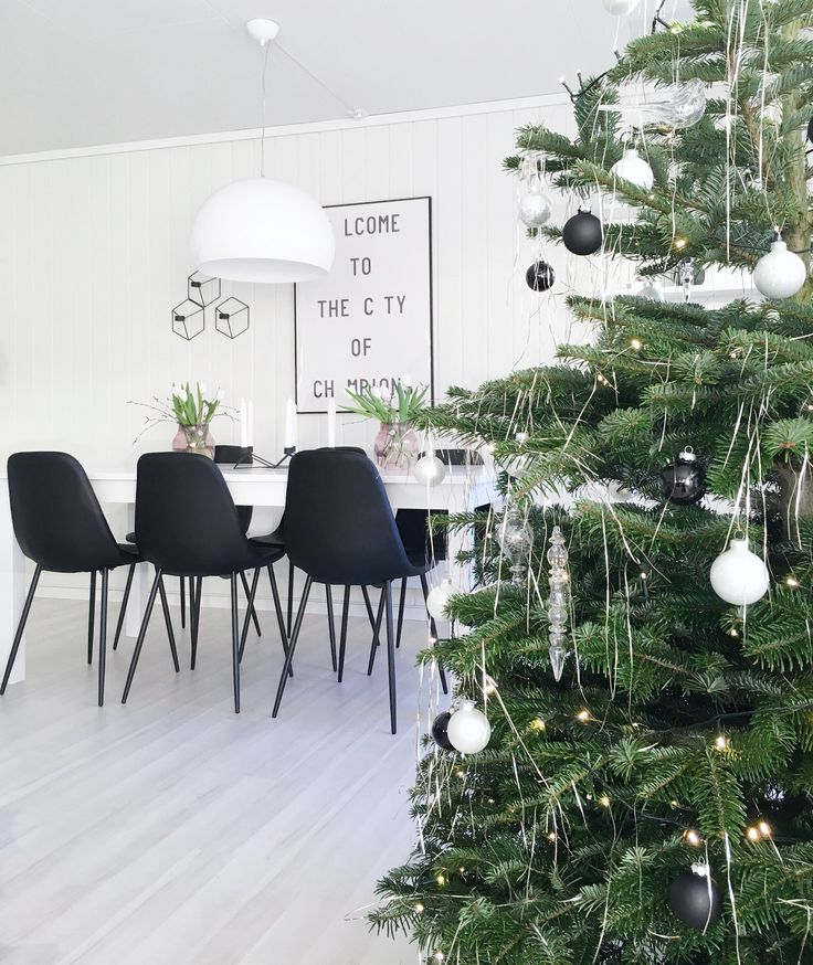 @interiorbonanza Jul - Christmas - Tree - Stue - Living Room