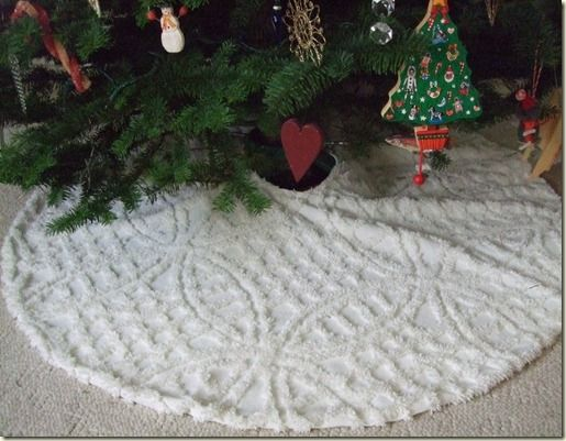 vintage chenille tree skirt