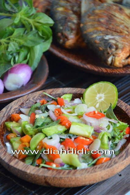 Diah Didi's Kitchen: Bawal Goreng Sambal Dabu Dabu