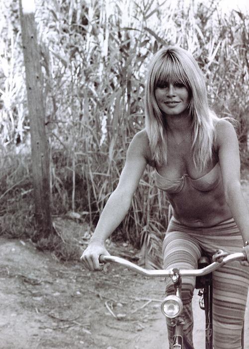 Brigitte Bardot // on a bike // bike ride // fashion icon // style idol // iconic women // 1970s // 70s
