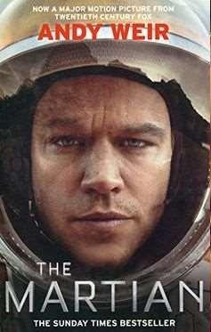 The Martian [Videoupptagning] ... Astronauten Mark Watney blir kvarlämnad på Mars av resterande besättningen som tror att han omkommit efter en kraftig storm i rymden. Ensam kvar måste han med sin intelligens och styrka hitta ett sätt att överleva på den lilla mat han har och signalera till jorden att han lever. Miljontals mil bort jobbar NASAs forskare dygnet runt med att hitta ett sätt att få hem honom och besättningen planerar samtidigt en livsfarlig räddningsaktion.