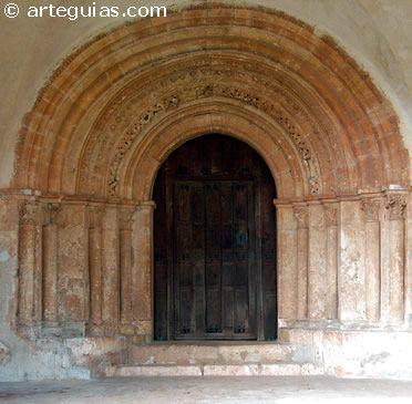 Portada de la iglesia de Castil de Lences (La Bureba)