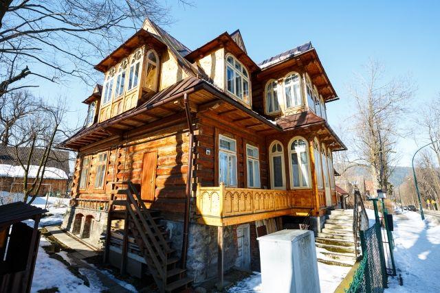Małopolska - zakopiańskie wille - Turystyka - WP.PL  Willa Ostoja z 1907 r., Zakopane (fot. marekusz / Shutterstock.com