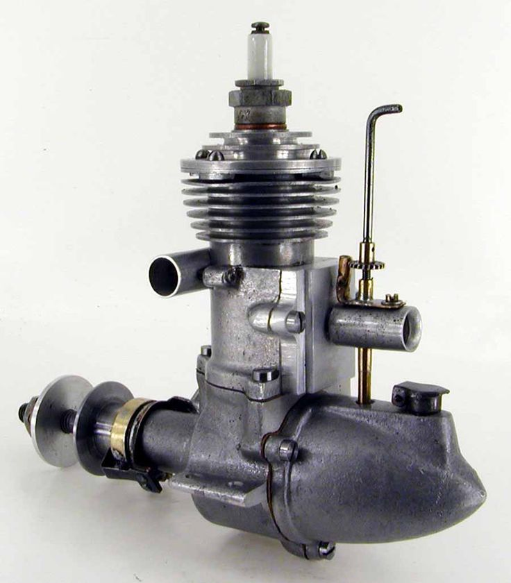 """This engine was first advertised in 1939 by """"International Models [Products]"""" of New York as the """"G9"""". The ads quoted a bore of 7/8"""" and stroke of 15/16"""". Later, the manufacturer seems to have moved to Boston, changed their name to """"Belmont Miniature Motors"""" and the engine became known simply as the Belmont. No ad we've been able to trace ever stated the capacity, only the bore and stroke."""
