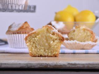 Magdalenas de limón con relleno de limón