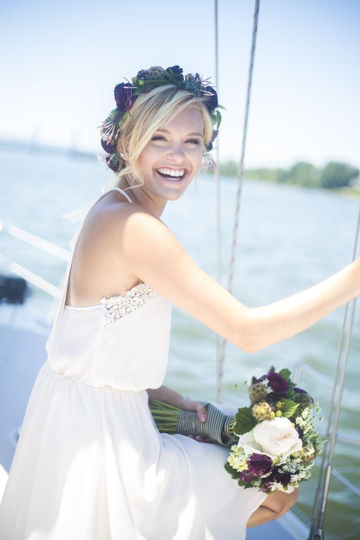 ロングバングを自然に流してヘルシーな雰囲気を♪ ♡花嫁の髪型ハワイ・ビーチ参考一覧♡