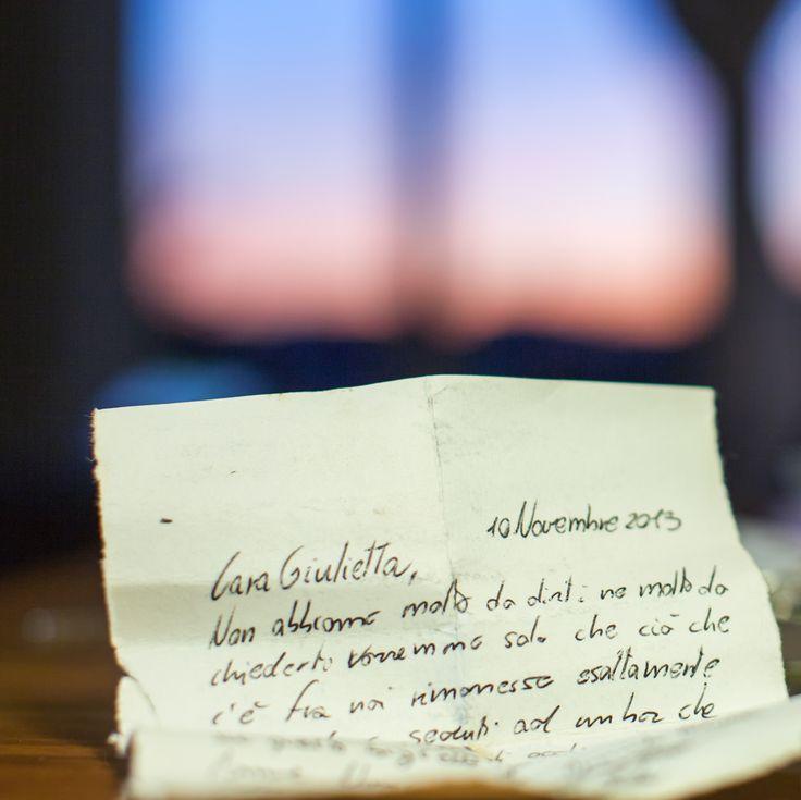 Cara Giulietta non abbiamo molto da dirti ma molto da chiederti vorremmo solo che ciò che c'è fra noi rimanesse esattamente… #julietsecrets #casadigiulietta #juliethouse #secrets #lovers @julietsecrets