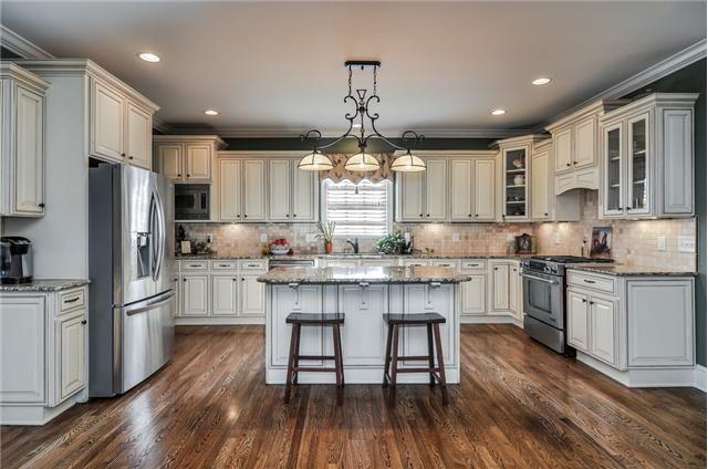cream colored kitchen cabinets | Cream colored cabinets! | Kitchens