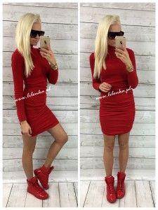 Dopasowana sukienka golf marszczona red