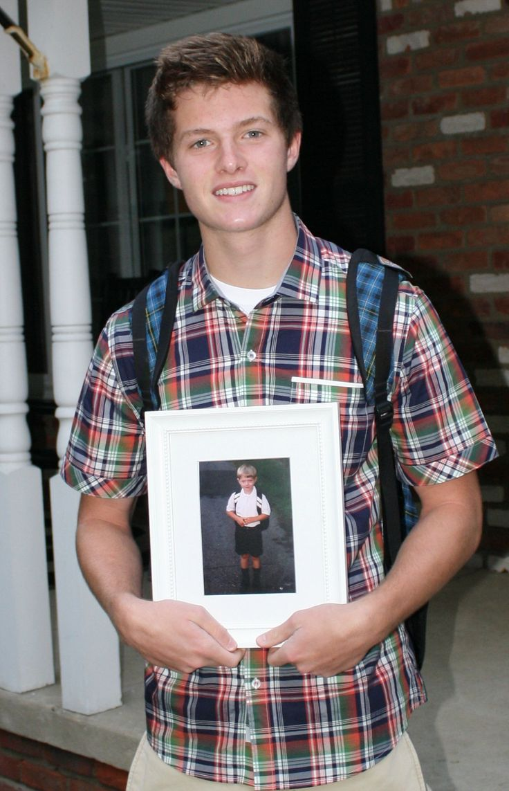 How to scrapbook school years - First And Last First Day Of School Photos Senior Year
