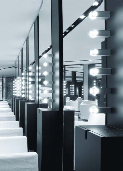 Tulp Parete-Soffito tulp1 wall/ceiling for interiors IP20 lamp in natural aluminium, complete with max 40W E14 incandescent lamp. tulp2 wall/ceiling for interiors IP20 lamp in natural aluminium, complete with max 40W E27 incandescent lamp. tulplibrowall/ceiling for interiors IP20 lamp in natural aluminium, complete with max 40W E27 incandescent lamp.