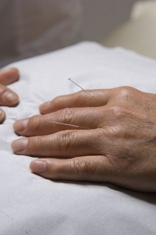 Do you get phlegm after eating, for instance so you have to clear throat mucus before speaking? Acupuncture treatment.
