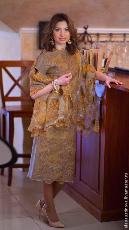 """Платье валяное """"Gold Ornaments"""" - бежевый,пейсли,платье валяное,платье войлочное"""