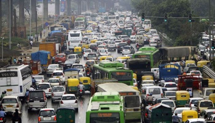Supreme Court extends ban on 2000cc diesel vehicles registration The Supreme Court has extended its decision on the registration ban of big diesel vehicles, which incorporated with the 2000cc and above capacity engines, in Delhi. This time, the court has not disclosed the end time, but a few reports suggested that it will be continued up to July 2016.