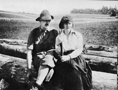 Hemingway with first wife Hadley Richardson