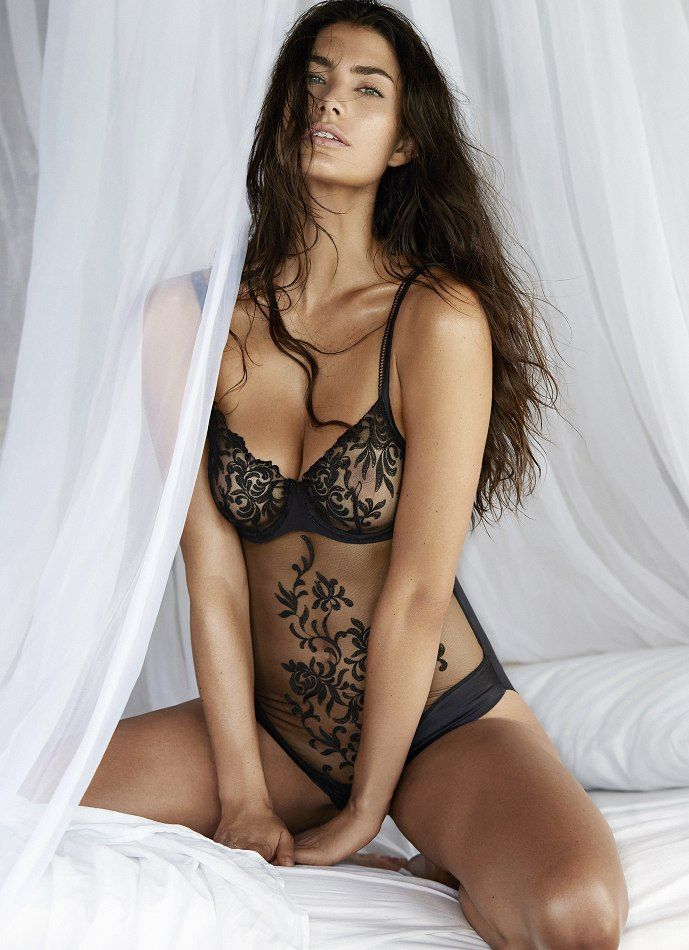Sexy Women Wearing Body Paint