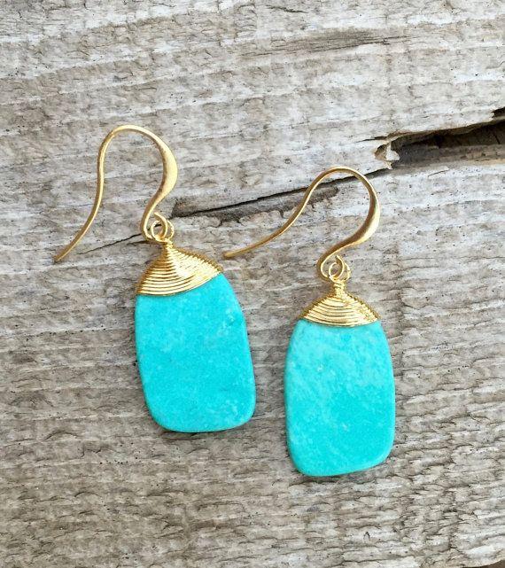 Alambre oro envuelto azul turquesa cuelgan pendientes Boho Chic | Anillos de turquesa | Pendientes de turquesa Chip | Pendientes de oro de la declaración