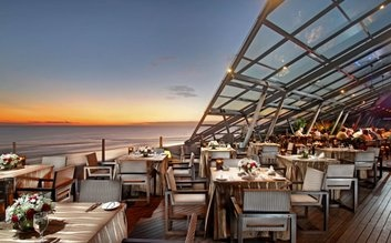 Tiffanytlu's Bali tip: SOS Supper Club is a rooftop lounge at the Anantara Seminyak Resort and Spa. It has a great view of the ocean with a wide selection of asian fusion tapas and drinks. Perfect for relaxing at the end of the night! Make sure to reserve a daybed in the lounge ahead of time.