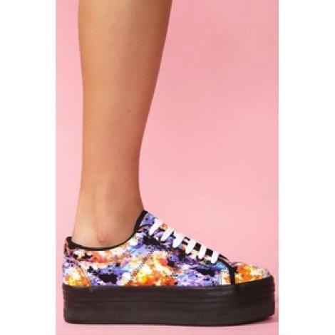 Platform Sneakers /Zapatillas con Plataforma  Nasty Gal  Taconless Shoes