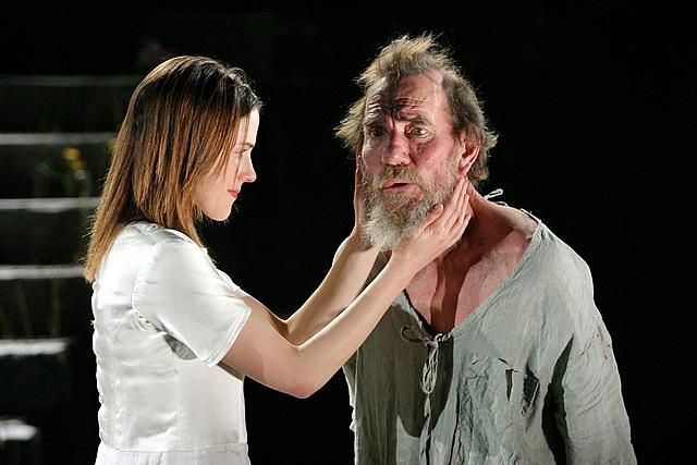 2009 - Pete Postlethwaite as the King and Amanda Hale as Cordelia in 'King Lear' @ the Young Vic