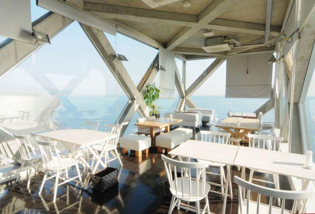 海に浮かぶレストラン高知県シーハウス