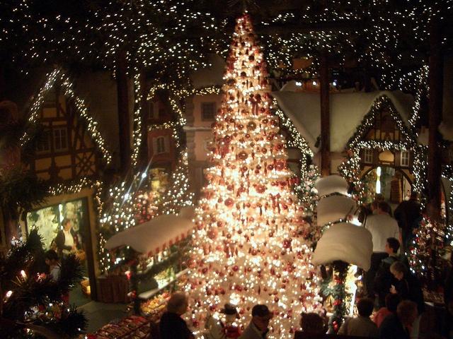 Christmas tree in Rothenburg, Switzerland More information: http://www.travel-journeys.com or joy@travel-journeys.com