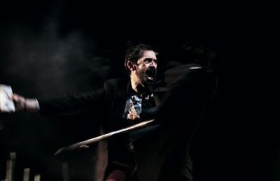 εδώ στο νότο: Την παράσταση «Ζητιάνος» του Καρκαβίτσα προτείνει ...