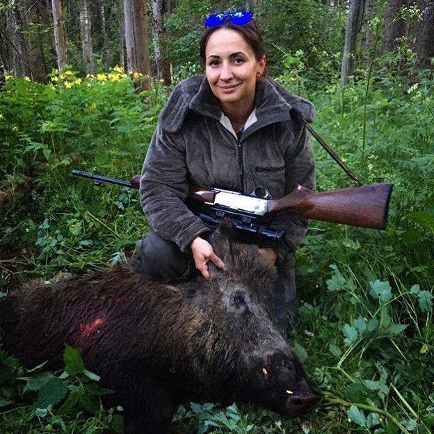 От нашей любимицы: @aihenvald_helga  49 метров . 308 win.  Браунинг бар . #охота #охотничек #охотник #рыбалка #hunter #hunt #hunting #охотница #охотанаохоту #охота2017 #охотабрат #охотанакабана http://misstagram.com/ipost/1539726115908016589/?code=BVeNL6eFtnN