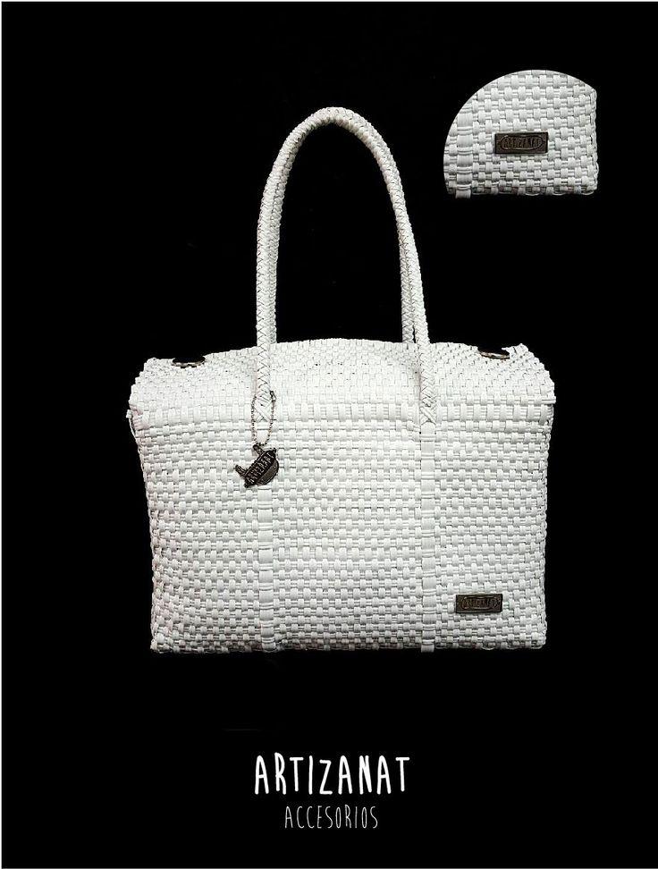 Un look contrastado, checa estos bolsos juveniles a la moda ¡no te quedes sin el tuyo!