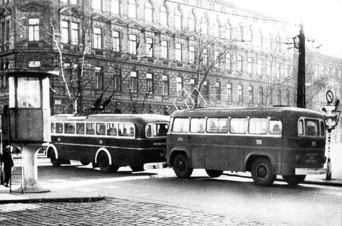 Thököly út Hungária körút sarok. Az 1960-as években.