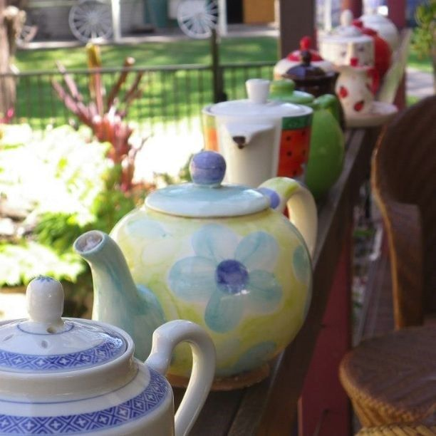 Did you have your morning cup of tea today? Carrie enjoyed hers at Benleigh Historical Village. #CaptureTheCover #Logan #tea #teapot #cute