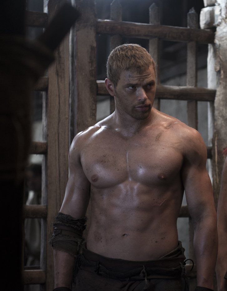 Pin for Later: Best of 2014: The Sexiest Pictures From the Big Screen The Legend of Hercules Kellan Lutz gave us one of two Hercules this year, and an eyeful of his muscled midsection.