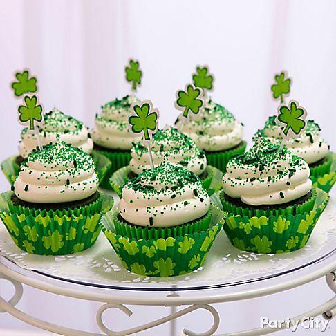 Miam ! Des bons cupcakes au chocolat pour la Saint Patrick !                                                                                                                                                     Plus