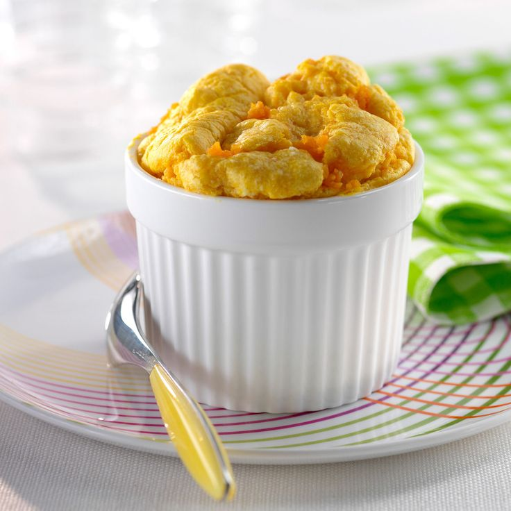 Découvrez la recette Soufflé de carottes sur cuisineactuelle.fr.