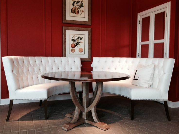 I M Crazy For A Curved Banquette And This Pair From Lorts
