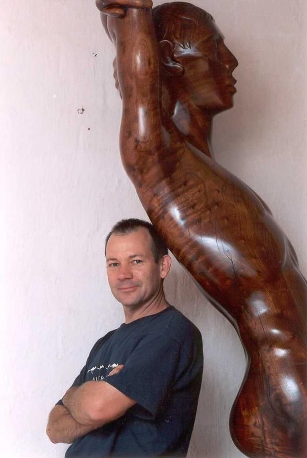Wooden sculpture by Carl Roberts